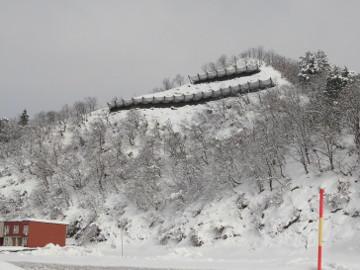 東泉田地区防災・安全(総流防)雪崩対策なだれ防止工その2工事